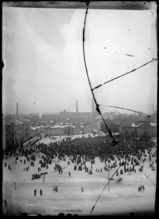 Tammerfors, Hugo Simberg 1905, CC BY 4.0, Kansallisgalleria via finna.fi