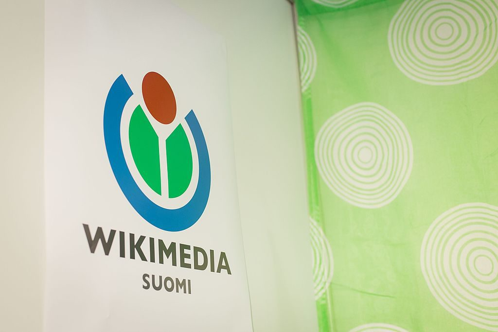 Wikimedia_Suomi_at_Helsinki_Book_Fair_2016_05