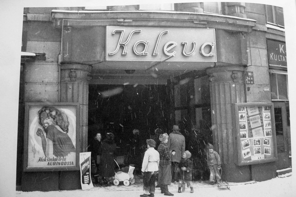 Tämän kuvan alt-attribuutti on tyhjä; Tiedoston nimi on ELOKUVAKÄVELY-KALEVA-KAVI-1951.jpg
