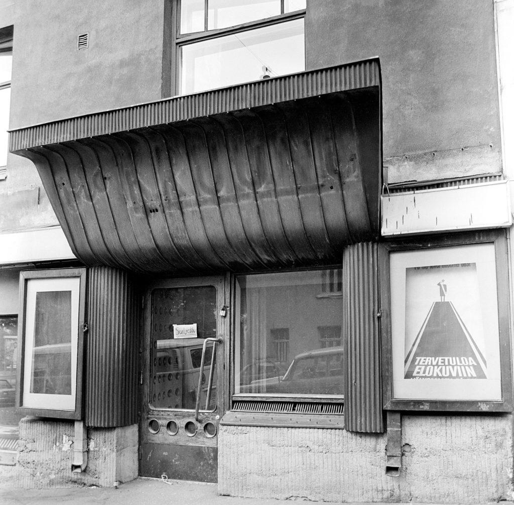 Tämän kuvan alt-attribuutti on tyhjä; Tiedoston nimi on ELOKUVAKÄVELY-Riviera_Kruunu_JS-1024x1006.jpg
