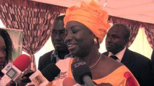 Aminata Touré on senegalilainen poliitikko, joka on toiminut Senegalin oikeus- ja pääministerinä. Hänen kaudellaan ministereitä ja yritysjohtajia vangittiin korruptiosta. Tourén ansiosta Tšadin entinen diktaattori saatettiin oikeuden eteen. Kuva on vuodelta 2016, kuvaaja on Leral Officiel Tv ja lisenssi: CC-BY